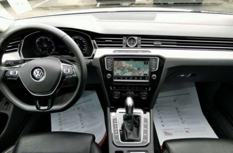 VW Passat Variant 4Motion Occasion 8